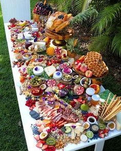 69 ideas party food platters catering ideas for 2019 Party Platters, Cheese Platters, Party Trays, Charcuterie Platter, Antipasto Platter, Charcuterie Wedding, Crudite Platter Ideas, Grazing Platter Ideas, Fruit Platter Designs