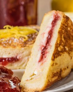 Stuffed French Toast How to make an ordinary french toast exciting?