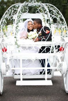 The heart at the back of the carriage frames a wonderful kiss.