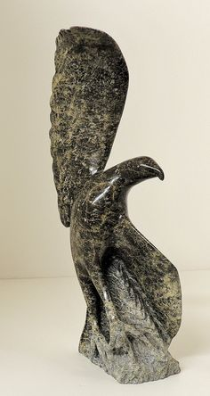 Bird  by  Jacoposie Tiglik,  Inuit sculpture in serpentine (Community: Iqaluit)