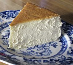 new york cheesecake. i so need to make this! I think it just needs a gram cracker crust, though