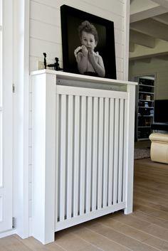 Heizkörperverkleidung – Home Office Design Diy Diy Radiator Cover, Radiator Screen, Home Office Design, House Design, Corridor Design, Cool Curtains, Wall Decor Stickers, Home Interior, Interior Design