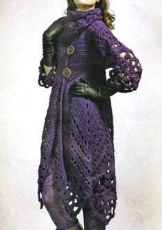 Abrigo morado crochet, in spanish.  I absolutely love this, even though I'll probably never be able to make this.