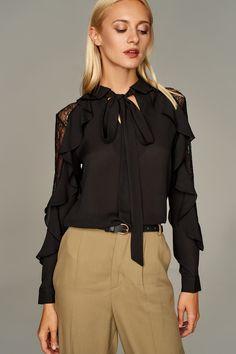 Siyah Fırfır ve Tül Detaylı Kadın Bluz TRENDYOLMİLLA | Trendyol