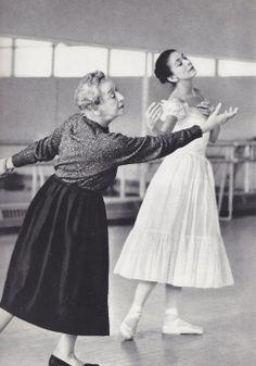 Tamara Karsavina rehearsing Margot Fonteyn for 'Le Spectre de la Rose', ballet legacy, passing it on