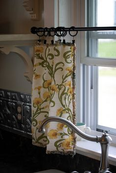 Add clip rings to dinner napkins to create adorable cafe curtains. Flower Patch Farmgirl: Napkin Curtains - Redux
