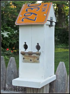 homeroad: Rustic Birdhouse