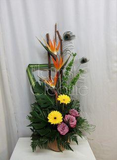Arrangement funéraire Corbeille funéraire Arrangements Funéraires, Plants, Home, Floral Design, Floral Arrangements, Plant, Planting, Planets