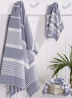 Exclusively from Simons Maison The fouta, originating from Tunisia, is known… Blue Bathroom Paint, White Vanity Bathroom, Bathroom Towels, Bath Towels, Kitchen Towels, Guest Towels, Tea Towels, Blue Ceilings, Turkish Cotton Towels