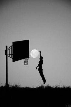 Slam dunkin' the moon