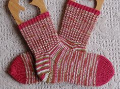 A Swell Yarn Duet Socks....my first pair of knitted socks
