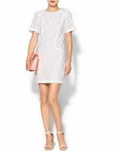 Pin for Later: Diese 11 Kleider aus Piperlimes Frühlings-Sale sind ein Muss Trina Turk White Eyelet Kleid Trina Turk Marquise Dress ($288)