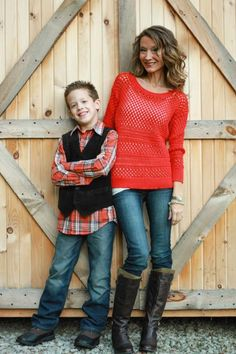 but holding hands Family Picture Poses, Fall Family Photos, Family Posing, Family Pictures, Mother Son Photography, Cute Photography, Family Photography, Mother Son Poses, Mother Son Pictures