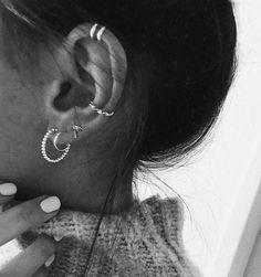 Silver ear cuff No Piercing Cartilage earrings for Women Wedding Silver Jewelry statement cuffs earrings - Custom Jewelry Ideas Ear Peircings, Cute Ear Piercings, Cartilage Earrings, Stud Earrings, Diamond Earrings, Chandelier Earrings, Statement Earrings, Tassel Earrings, Diamond Jewelry