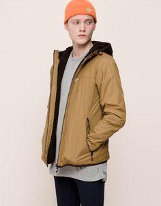 Moda para hombre Primavera Verano 2016 | Colores tendencia Blazer Jacket, Rain Jacket, Leather Jacket, Pull N Bear, Shearling Coat, Latest Fashion Trends, Parka, Windbreaker, Jackets