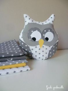 Cushion owl musical white and gray starry: Child's room, baby by guiligribouilli Source by alaintiphaine Sewing For Kids, Baby Sewing, Diy For Kids, Baby Couture, Couture Sewing, Owl Crafts, Diy And Crafts, Felt Owls, Fabric Animals