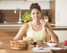 Ce trebuie sa contina un mic dejun sanatos? 4 tipuri de alimente esentiale!