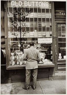 Walker EVANS :: Third Ave., NYC, 1962 i knew a different Button Shop, Called Tender Buttons, yup only buttons, vintage buttons.