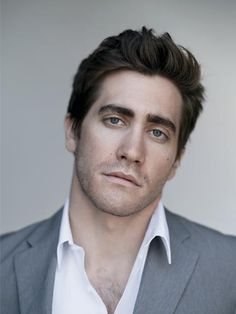 Follow on Instagram : @JakeGyllenhaalTV - Jake Gyllenhaal