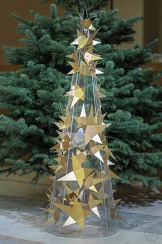A look at ALL of the designer Christmas trees (both figurative and literal) created for the charity auction of the Les Sapins de Noël des Créateurs. Unusual Christmas Trees, Modern Christmas Decor, Alternative Christmas Tree, Christmas Tree Design, Merry Christmas, Christmas Decorations, Table Decorations, Holiday Decor, Christmas Tree Ugly Sweater