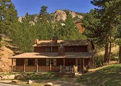 Black Hawk Lodge's log cabin outside Rocky Mountain National Park, Estes Park, CO