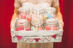 #Candybar / #SweetTable bei der #Hochzeit / #Wedding :-) Das tolle Foto ist von Vivid Symphony Photography: http://www.vividsymphony.com
