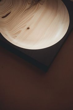"""The """"Cavetto"""" table tray were designed by Klemens Schillinger in 2020. The minimal pieces in black lacquered pine are produced by the Austrian furniture label """"One For Hundred"""". Due to the different color and grain of the wood, each """"Cavetto"""" table tray is a unique piece – not only for your home office but also for keys, jewelry and a lot more. Available in our online shop. Sustainable design piece   desk organization #diesellerie Table Tray, Table Storage, Home Decor Kitchen, Home Decor Bedroom, Desk Organization, Living Room Inspiration, Wooden Tables, Sustainable Design, Simple House"""