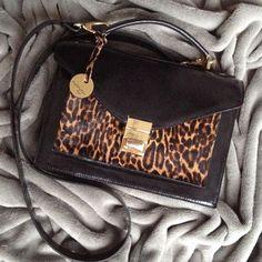 Pozwólcie aby Wasze torebki nadawały charakteru stylizacjom!  Nie bójcie się zaszaleć! www.nonou.pl #nonou #bags #torebka #coco #animalprint #leatherbag #pantera  #panther #handmade #handmadebag #style #fashion #trendy #itbag #kobieta #womensfashion #womensstyle #feminity #kobiecość #top #hot #newbag #polishfashion #polishbrand #warszawa #warsaw