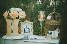 Don't like the birdcage or the giant candle thing. Don't like the birdcage or the giant cand Gift Table Wedding, Wedding Guest Book, Wedding Cards, Wedding Ceremony, Wedding 2017, Our Wedding, Dream Wedding, Wedding Ideas, Bronze Art