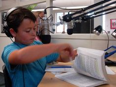 Bethke Elementary fourth-grader Ben Braiman prepares for a mock performance of the morning announcements, broadcast live from the K-BOB station in the school's media center. School Library Design, School Libraries, Library Ideas, Recording Booth, Recording Studio, Morning Show, Morning News, Morning Announcements, Broadcast News