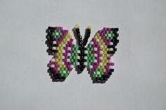 Petit papillon en brick stitch
