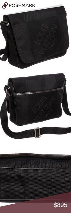 Louis Vuitton Terre Damier Geant Petit Messenger Black Terre Damier Louis  Vuitton Geant Petit Messenger bag 86725560f718a
