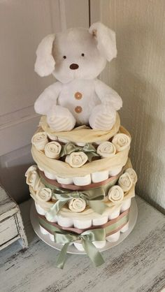 Neutral nappy cake baby shower gift