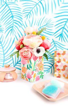 Try This: Paint your own floral patterned vase //  las hojas de la pared... super faciles de hacer y quedan divinas!