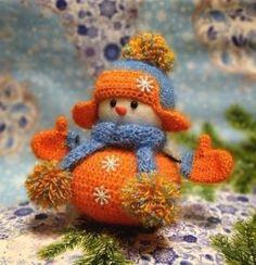 Одноклассники Snowman Christmas Decorations, Crochet Christmas Ornaments, Christmas Crochet Patterns, Christmas Toys, Christmas Knitting, Christmas Snowman, English Christmas, Cute Snowman, Primitive Christmas