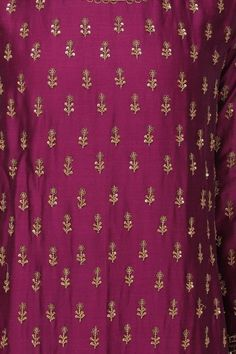 Megha & Jigar presents Wine embroidered kurta set available only at Pernia's Pop Up Shop. Zardozi Embroidery, Embroidery On Kurtis, Embroidery On Clothes, Embroidery Fashion, Hand Embroidery Design Patterns, Embroidery Suits Design, Hand Work Embroidery, Diy Embroidery, Hand Work Blouse Design