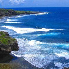 【upriver10】さんのInstagramをピンしています。 《【忘れられない景色】 @eririn1502 さんから、#ブルーバトン を頂きました❗ ありがとう御座います😃  これは、沖縄に行った時の1枚📷 #喜屋武岬 からの景色です🌊 今でも忘れられない程、海の青さに感動しました😃  #海#sea#バトン #ブルーバトン#沖縄#感動#本島#グラデーション#忘れられない景色 #青#旅行#空#sky#青空 #夏#東京カメラ部 #tokyocameraclub #写真好きな人と繋がりたい #写真撮ってる人と繋がりたい #ファインダー越しの私の世界》
