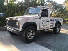 1986 Land Rover Defender 1986 Land Rover 110 Defender pickup truck