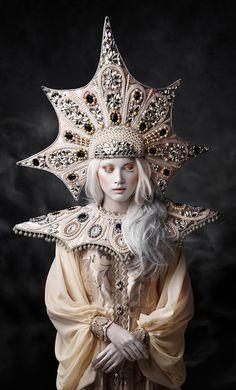Goddess of Memory (Svetlana Boynovich - Fashion Photography - Conceptual - Fantasy - Gatekeeper - Art - couture - Headdress) Fantasy Photography, Fashion Photography, Family Photography, Mode Inspiration, Character Inspiration, Photo Portrait, Headdress, Costume Design, Wearable Art