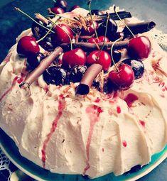 Pavlova, Black Forest, Caramel Apples, Cherry, Fruit, Desserts, Food, Tailgate Desserts, Deserts