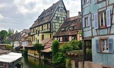 Maison à colombage au bord d'un canal à #Colmar en #Alsace. #France