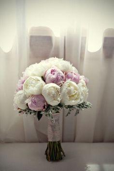 ramo de novia de peonias