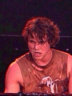 Angry Ashton is kinda hot chocolate<< he looks like he's about to turn into a werewolf!