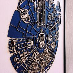 Cuadro del Millenium Falcon con marco de madera de nogal. #starwars #millenium #falcon #lasercut #laser #engraved #wood #walnut #frame #custom #wall #hanger by arboldecorcho
