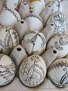 Easter eggs decorating ideas easy designs ukrainian eggs | @Mindy CREATIVE JUICE | @getcreativejuice.com
