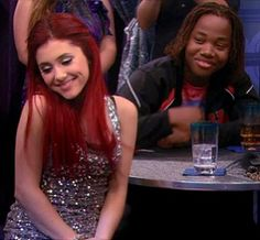 ♡ aw the way andre looks at cat ♡ Victorious Tv Show, Epic Kids, Kids Tv, Ariana Grande 2010, Cat Valentine Victorious, Sam And Cat, Model Look, Role Models, Beauty