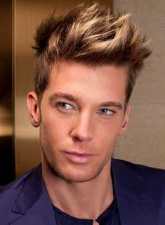 """Highlights For Men's Hair When it comes to hairstyling and colouring, a quote goes veryRead More """"Highlights For Mens Hair Ideas"""" Trendy Mens Hairstyles, Hairstyles Haircuts, Haircuts For Men, Men Blonde Highlights, Brown Hair With Highlights, Mens Hair Colour, Cool Hair Color, My Hairstyle, Short Hair Styles"""