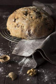 Roggebrood met walnoten Cooking Bread, Bread Baking, Bread Recipes, Cooking Recipes, Breakfast Bake, Food Photography, Bakery, Good Food, Food And Drink