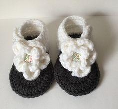 5c9e7aacfe8c1d 0-3 Month Flower Sandals. Crochet Sandals FreeCrochet Baby ...