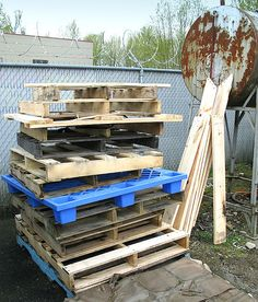Is pallet wood / reclaimed lumber safe? Plus more saf. Are you aware of the risks of using pallet wood and reclaimed lumber for your projects? I'm personally a pallet. By FunkyJunk Interiors - Don. Pallet Crates, Wooden Pallets, Pallet Wood, Diy Pallet, Pallet Boards, Fence Boards, Diy Wood, Paint Pallets, Pallet Benches